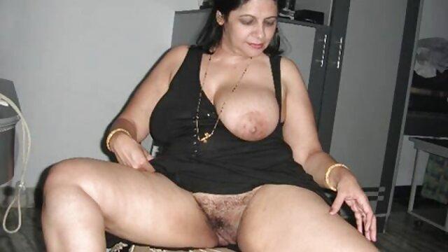 Scarlett gosta de um orgasmo de porno brasileiro com japonesa punho