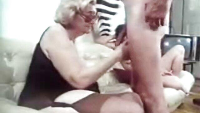Encontrei a videos porno com japonesas gostosas minha irmã, uma jovem amiga, a divertir-se com o Hersel.